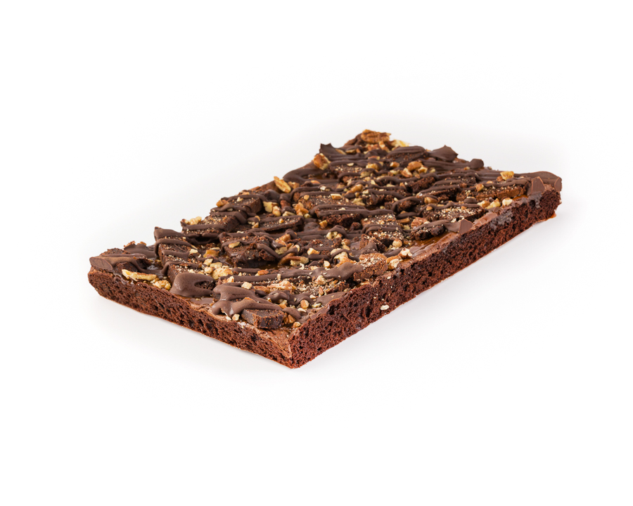 8-Tray-Bake-Pecan-Caramel-Brownie-With-a-Pinch-of-Salt-050