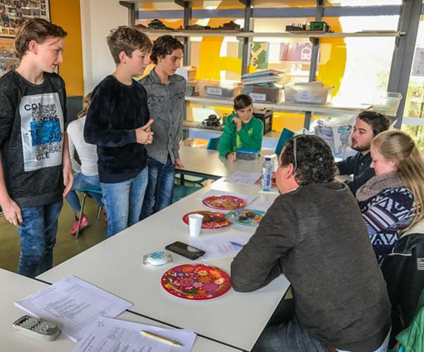 ichtus-lyceum-koekjes-bakken-school-project
